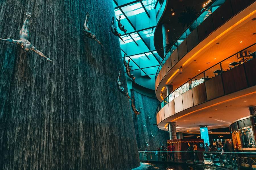 Dubai Mall Divers Waterfall