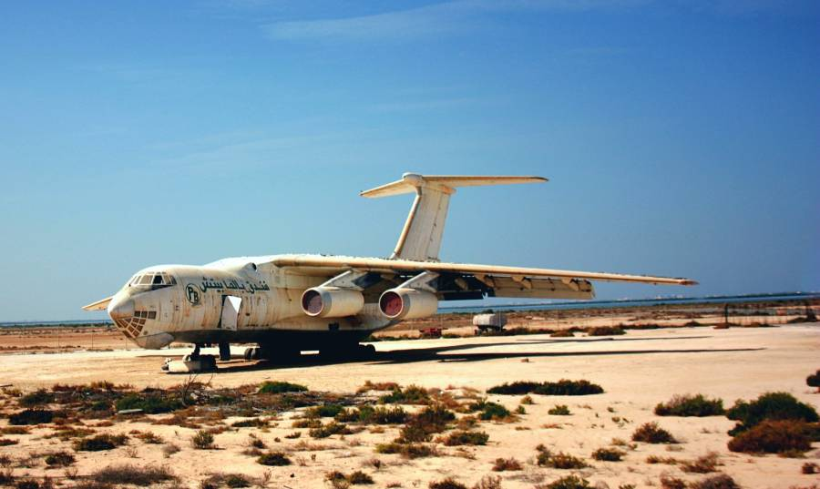 Umm Al Quwain Airport Old Plane Iljuschin-76 IL-76 Soviet Plane